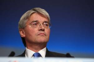 Back Theresa May or prepare for a disastrous 'no-deal' Brexit, warns Tory MP Andrew Mitchell