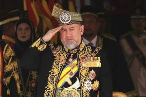 malaysia launches crackdown on isis after threats to kill the king and prime minister