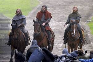 outlaw king: everything you need to know about new netflix drama based on scotland's robert the bruce