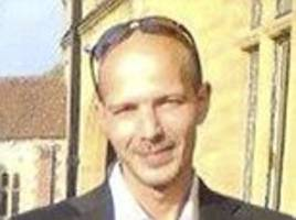 Bottle containing Novichok broke in nerve agent victim Charlie Rowley's hand, brother claims