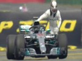 lewis hamilton forced to push car after hydraulic failure in qualifying as vettel takes pole