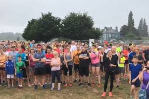 olympic gold medalists dame kelly holmes and james cracknell join exeter park runners