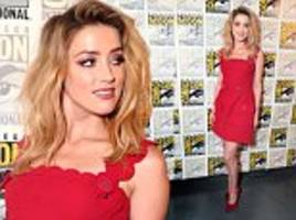 amber heard looks elegant in flirty scarlet dress at comic-con