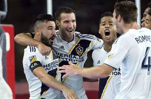 la galaxy gets third straight win, defeats philadelphia union 3-1