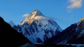 k2: irish climbers conquer peak within 24 hours of each other