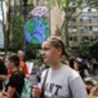 photos: 'this is zero hour!' hundreds join youth climate march