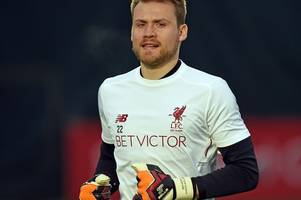 barcelona to make a shock move for liverpool goalkeeper simon mignolet, manchester united close in on juventus defender alex sandro
