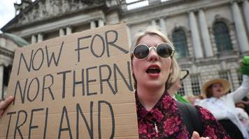 Politicians call for Northern Ireland abortion reform