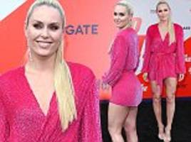 lindsey vonn sparkles in pink dress at the spy who dumped me premiere