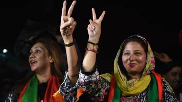 pakistan election: ex-pm nawaz sharif's party concedes victory to imran khan