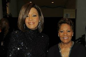 dionne warwick dismisses accusation her sister dee dee molested whitney houston: 'hogwash'