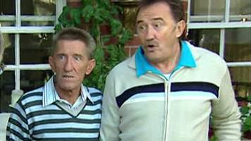 barry chuckle death: 'to me, to you' moment from 2006