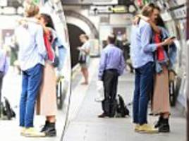 malia obama pictured snuggling her british boyfriend in a london underground station