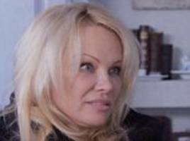 pamela anderson on her 'romantic' connection with wikileaks founder julian assange