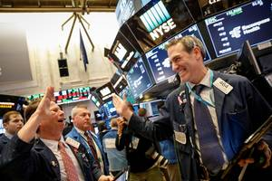stocks rise after strong earnings