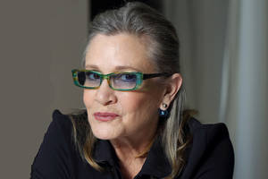 mark hamill wants carrie fisher to replace trump on the hollywood walk of fame