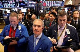 stocks close mixed as tech continues gains