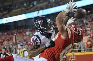 Texans top Chiefs 17-10 in preseason opener