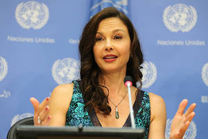 ashley judd calls harvey weinstein's attempt to dismiss lawsuit 'baseless,' 'malicious'