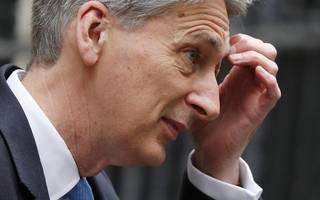 hammond mulls 'amazon tax' to counter high street woes