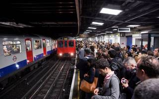 tube delays: metropolitan line suspends route into the city