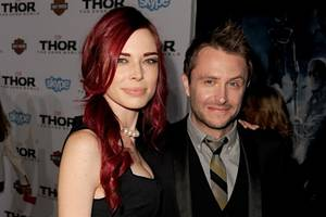 Chris Hardwick's Ex Chloe Dykstra Says She Stands by 'Every Single Word of My Essay'