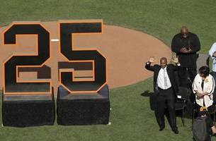 Home run king Barry Bonds has his No. 25 retired by Giants