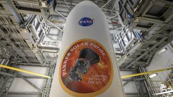 nasa launches fastest spacecraft ever to research the sun's atmosphere