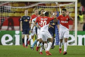 falcao comes off the bench to help monaco beat nantes 3-1