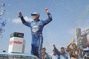 before his success in racing, kevin harvick says he was studying to be an architect