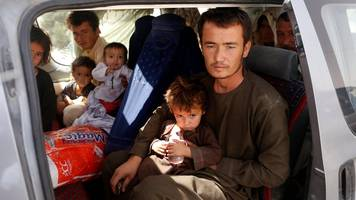 Ghazni: Afghans in battlefield city 'can't find food'
