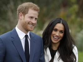 meghan markle's dad says he never got invite to royal wedding