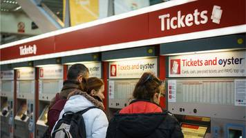 Rail fares: Grayling urges inflation change to slow rises