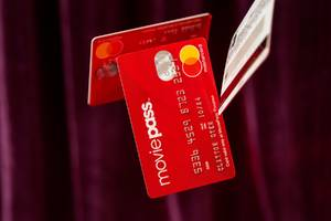 moviepass said a new strategy for working with theaters would boost revenue, but its finances show otherwise (hmny)