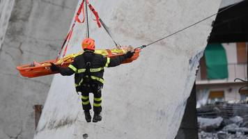 News Daily: Race to find Italy bridge collapse survivors and rail fares increase row