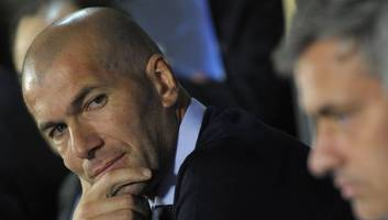 zinedine zidane eyeing manager's role at man utd as speculation continues over mourinho future