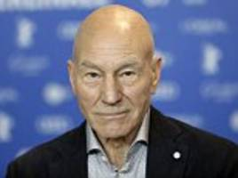 sir patrick stewart splits with labour blaming jeremy corbyn's leadership