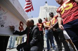 coliseum eager to host trojans, rams amid renovation project