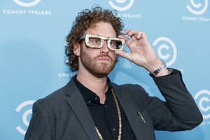 tj miller says 'i play an a-hole' on 'silicon valley' – but denies real-life 'bully' accusations (video)