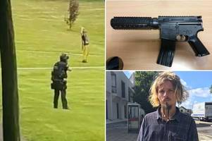 student pointed toy machine gun at people and ended up sparking an armed police stand-off