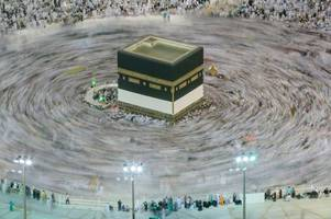 Amazing images show millions of Muslims gathering at Mecca for Hajj pilgrimage