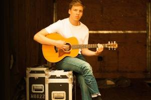 george ezra reclaims number one in uk singles chart with shotgun