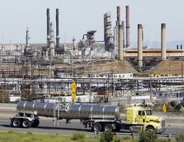 court delivers blow to epa by ordering us government to enforce chemical safety rule