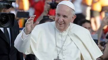 Moderator's meeting with Pope comes under attack