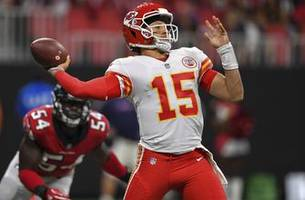 mahomes has an up-and-down night in chiefs' 28-14 win over falcons