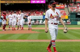 cardinals can't complete sweep, fall 2-1 to brewers