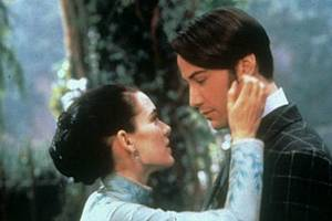 Winona Ryder Thinks She and Keanu Reeves Got Married for Real While Filming 'Dracula'