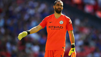 Man City GK Claudio Bravo Out for Season with Torn Achilles