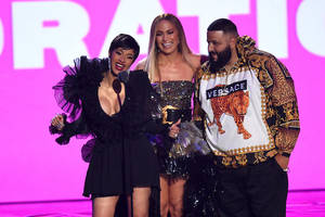 mtv vmas slip in ratings to set another record low