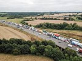 motorists fume as m25 turns into 'car park'